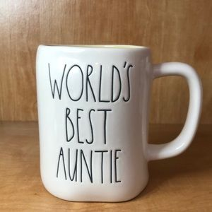"Rae Dunn ""World's Best Auntie"" Mug"